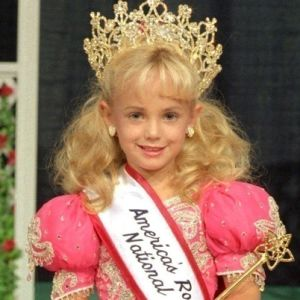 jon bennet ramsey Beckner was the police chief during the jonbenet ramsey case six-year-old  beauty queen jonbenet was found murdered in the basement of.