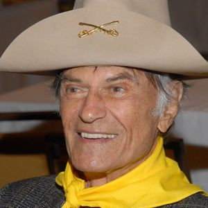 Larry Storch aims to leave 'em laughing one last time on L.A. ...