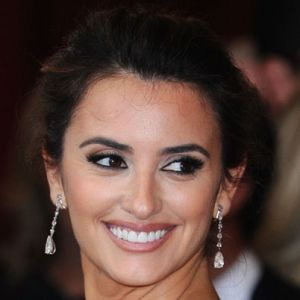 Penelope Cruz - Actress - Biography.com