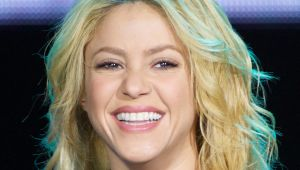 shakira biography in spanish colombia