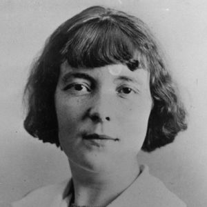 function hat garden party katherine mansfield Almost everybody in the story wears a hat it tells something about the person who wears it  the garden party by katherine mansfield specifically for you.