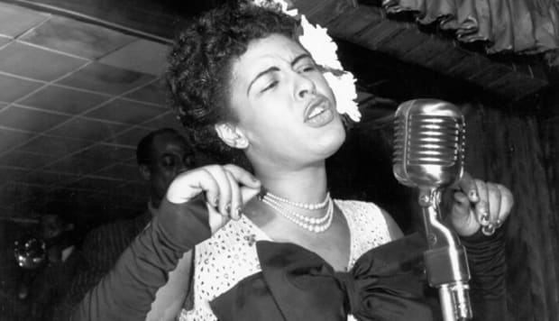 billie-holiday-on-stage-raw