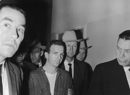 Lee-Harvey-Oswald-9430309-3-raw