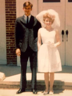 Dolly-Carl-1-Wedding- cr- dollyparton
