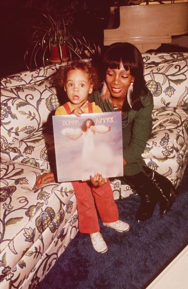 Donna Summer - Songwriter, Singer - Biography