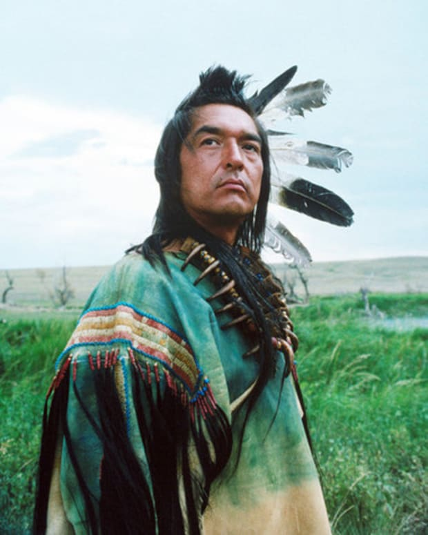 Dances with Wolves': 25 Fun Facts to Celebrate 25 Years