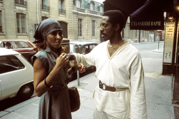 Ike And Tina Turner S Tumultuous Relationship Biography