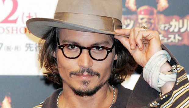 johnny-depp-fashionalbe-sized