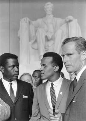 sidney_poitier_harry_belafonte_charlton_geston_civil_rights_march_1963_By U.S. Information Agency. Press and Publications Service. (ca. 1953 - ca. 1978) [Public domain], via Wikimedia Commons