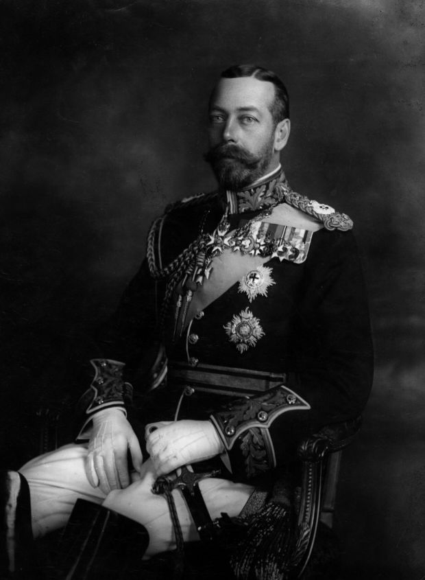 king george biography Biography british royalty, second son of george v, became king of great britain 12/1936 after his elder brother, edward viii abdicated crowned on 5/12/1937, he was a popular monarch in troubled times, married lady elizabeth bowes-lyon in 1932, had two daughters.