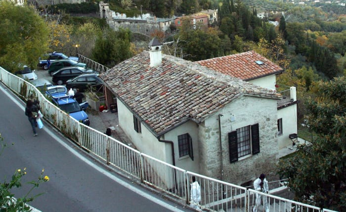 Amanda Knox and Meredith Kercher's cottage in Perugia, Italy