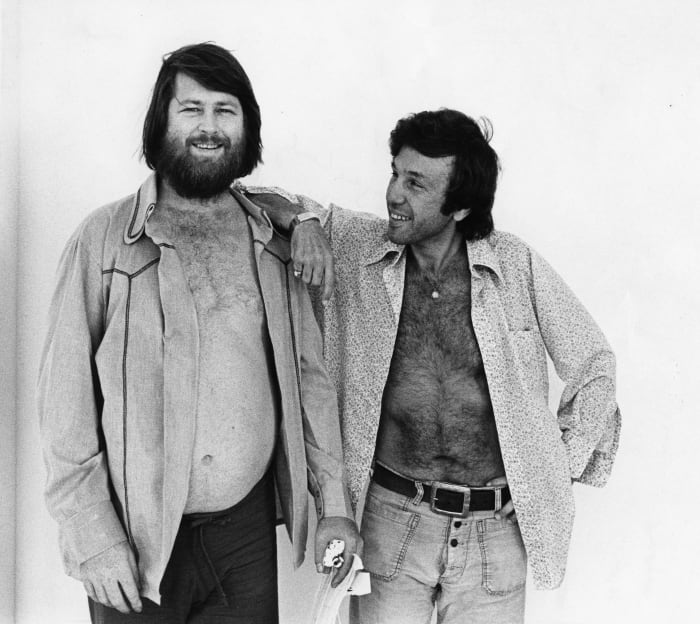 Brian Wilson (L) and Dr. Eugene Landy, circa 1976