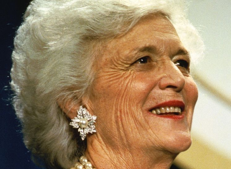 [Image: barbara_bush_photo_david_valdez_white_ho...onsjpg.jpg]
