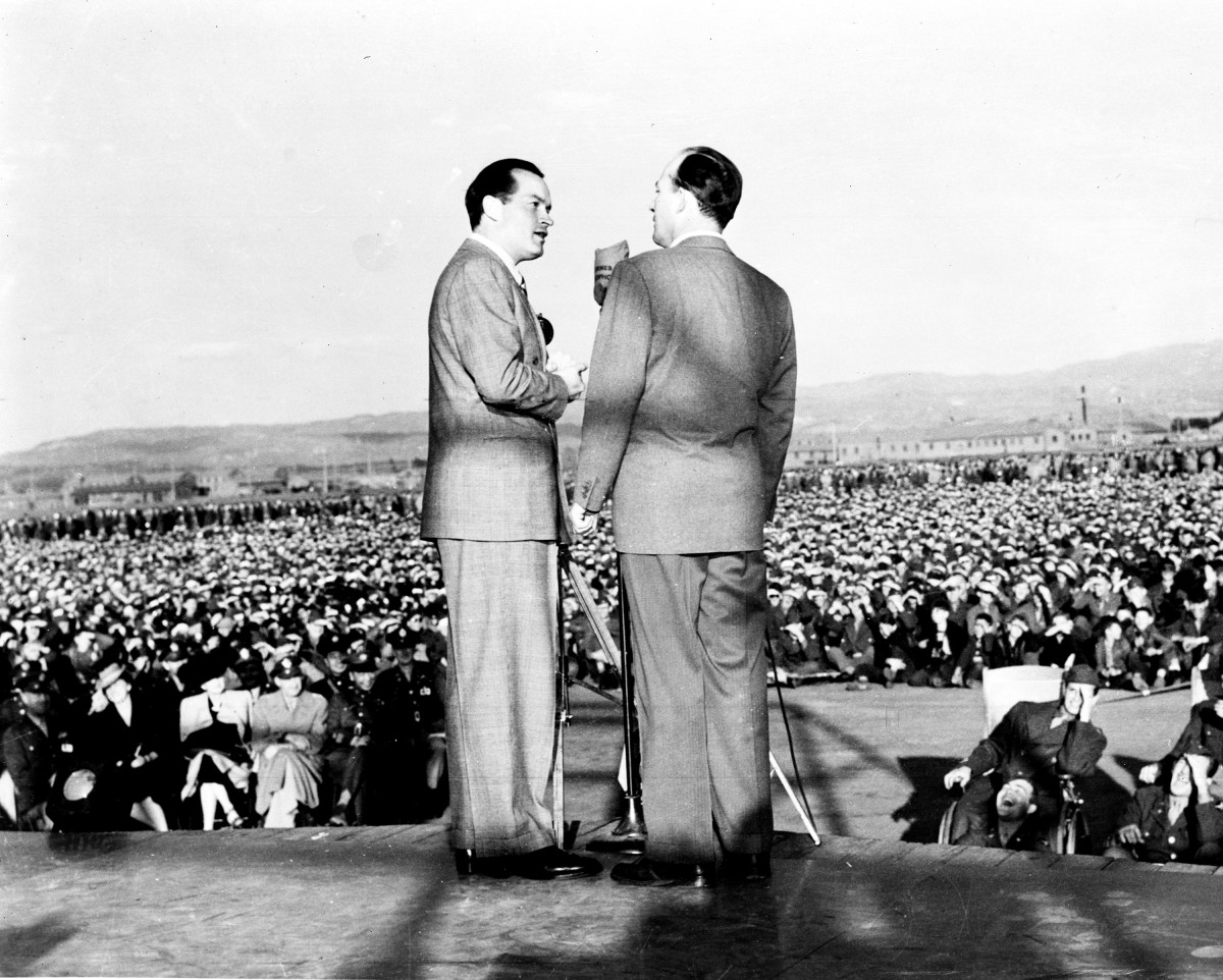 USO Entertainers: Bob Hope and Bing Crosby performed together for troops in 1942. Hope in particular was well known for his USO tours.