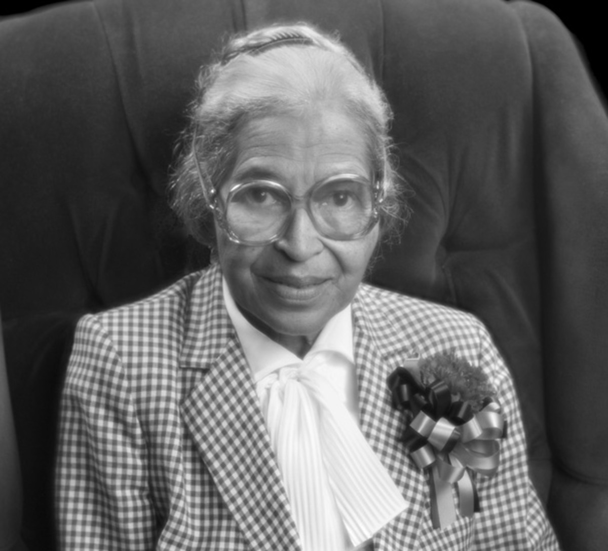 rosa parks honored in quotes com rosa parks in 1994 photo mickey adair getty images