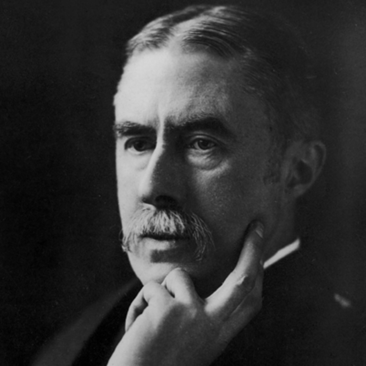 an analysis of the poetry of ae housman Living, learning, mistakes, wiser, love - analysis on ae housman´s poem when i was one- and - twenty.