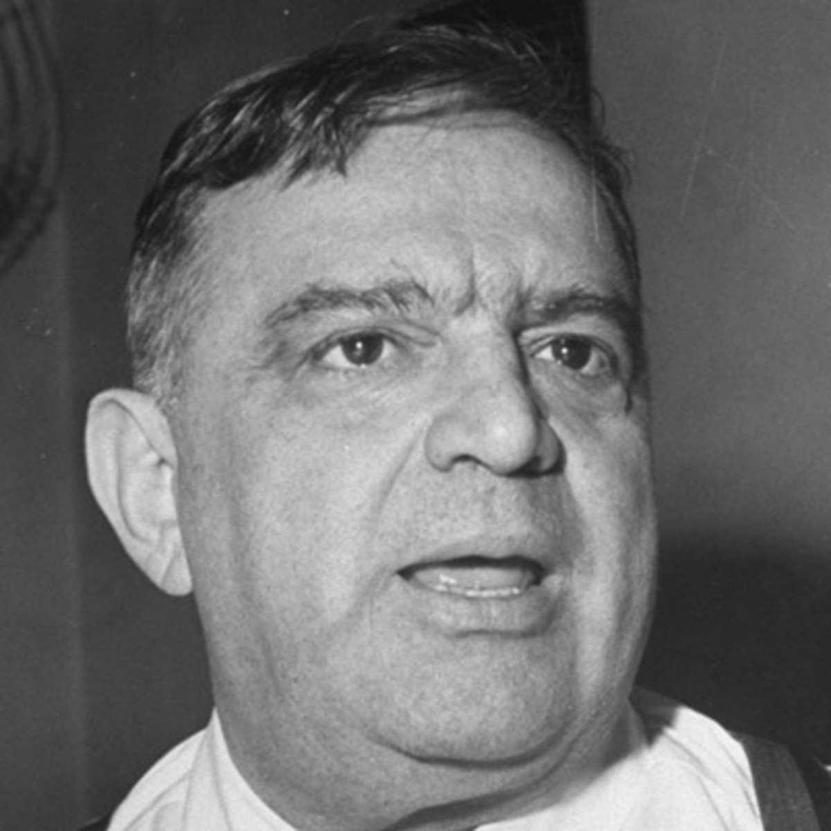 fiorello laguardia In july of 1945 during a newspaper deliveryman's strike, new york city mayor  fiorello laguardia took to the air on wnyc and read comics to.