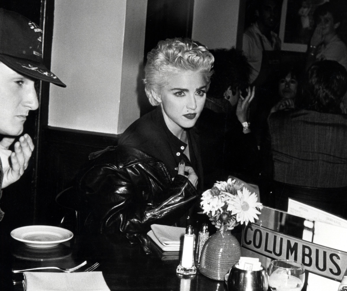 Madonna 80's: Sean Penn and Madonna dining at Elaine's Restaurant in New York City. (Photo undated).