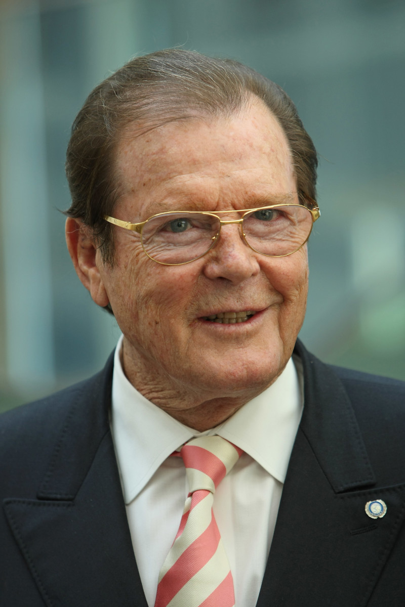 Roger-Moore-9413743-2-raw