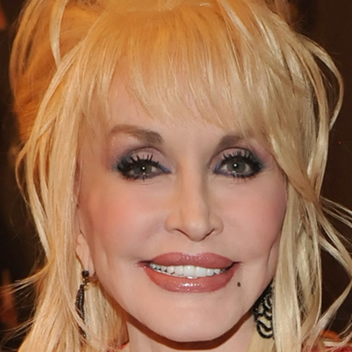 a biography of dolly rebecca parton Dolly rebecca parton biography with personal life, affair and married related info wiki in timeline with facts age, height, and info of age,net worth,married,husband,ethnicity,nationality.