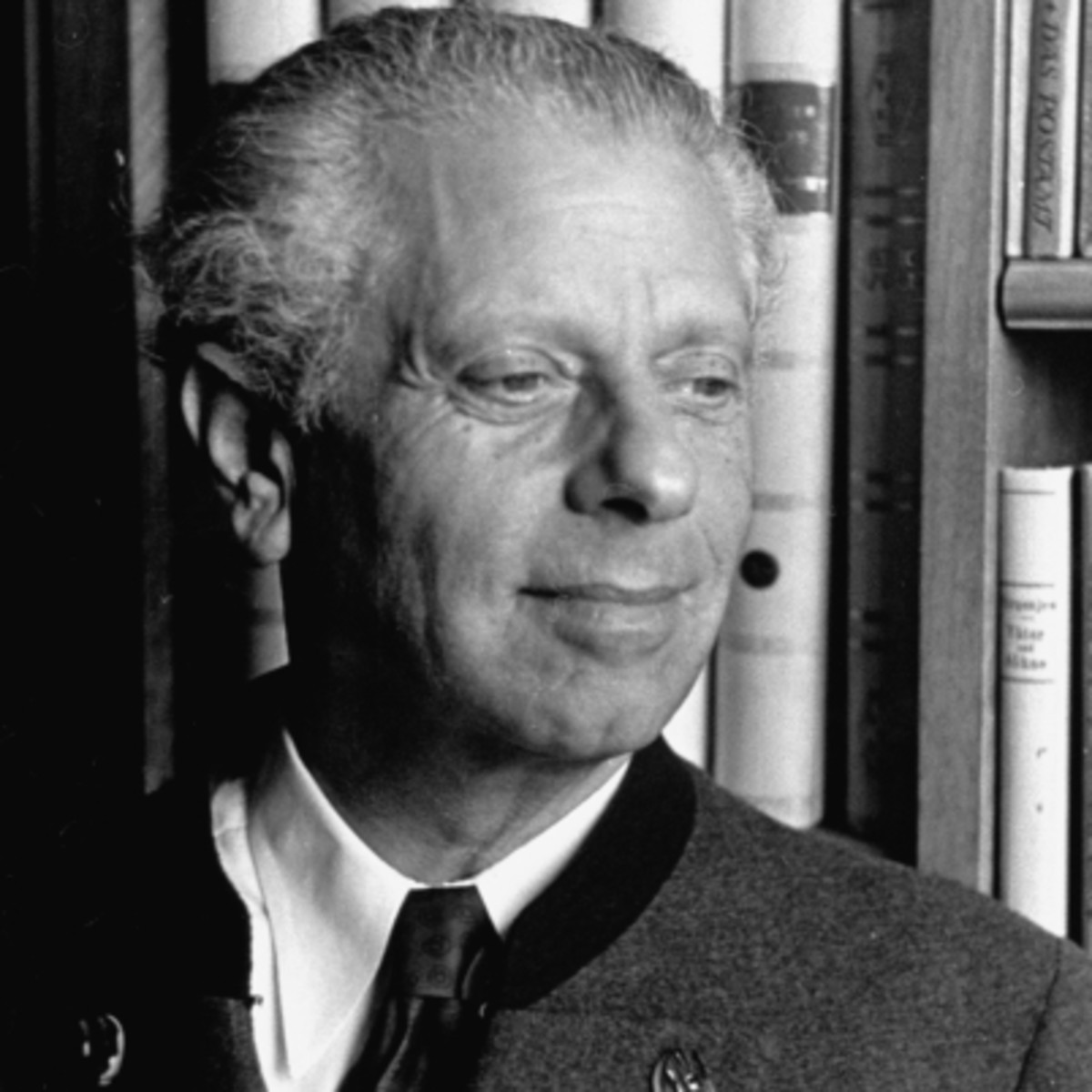life and work of a director max reinhardt Reinhardt (goldmann), maxreinhardt (goldmann), max (1873–1943), stage producer and director reinhardt, a leading force in the theater during the first part of the 20th century, was born in baden, near vienna.