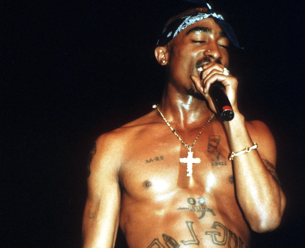 tupac shakur 5 facts about his life life after death biography