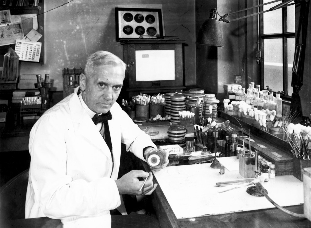 Alexander Fleming in his laboratory. (Photo: Davies/Getty Images)