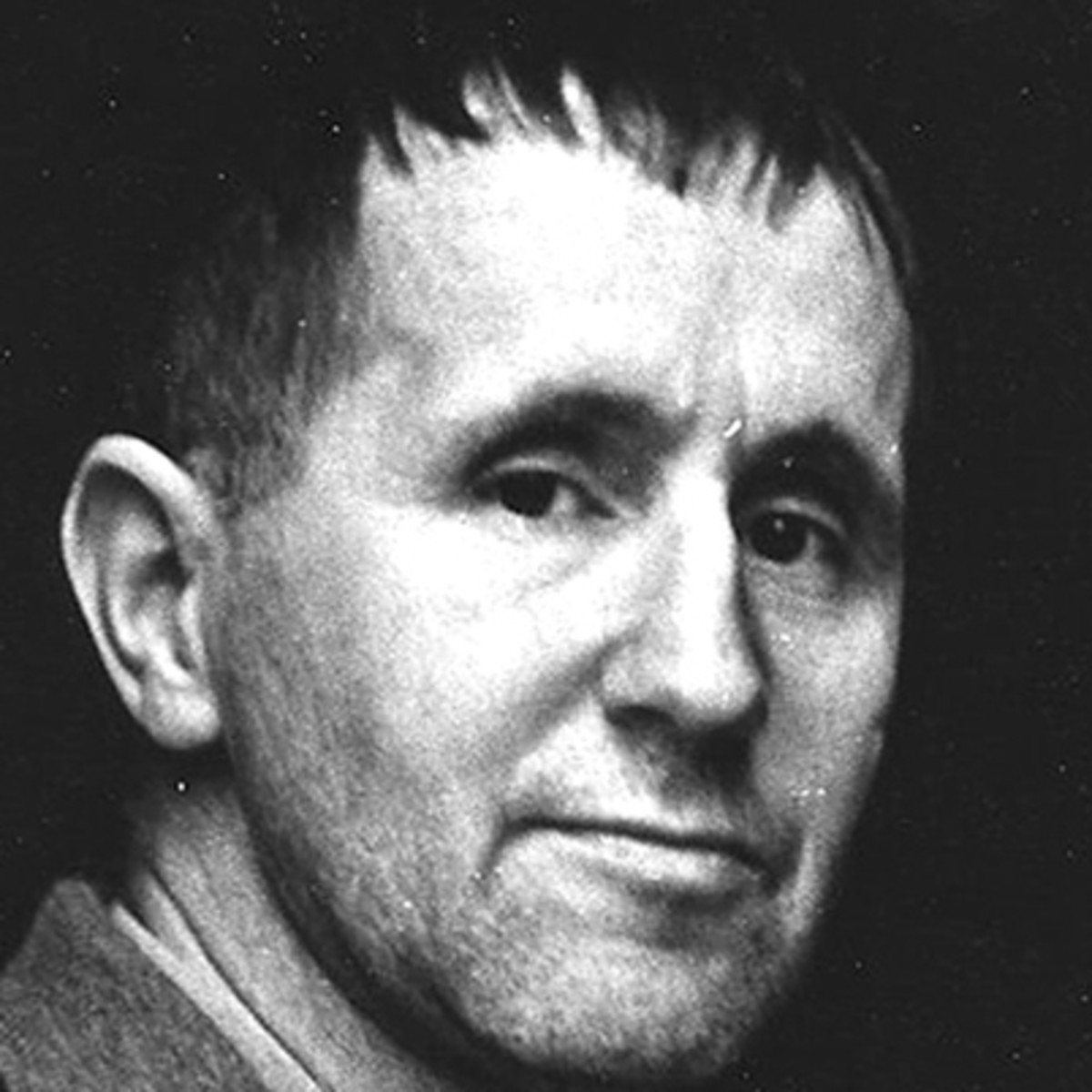 bertolt brecht The bibliography of bertolt brecht's works in english translation contains almost 2900 bibliographical entries the cooperative project of the international brecht.