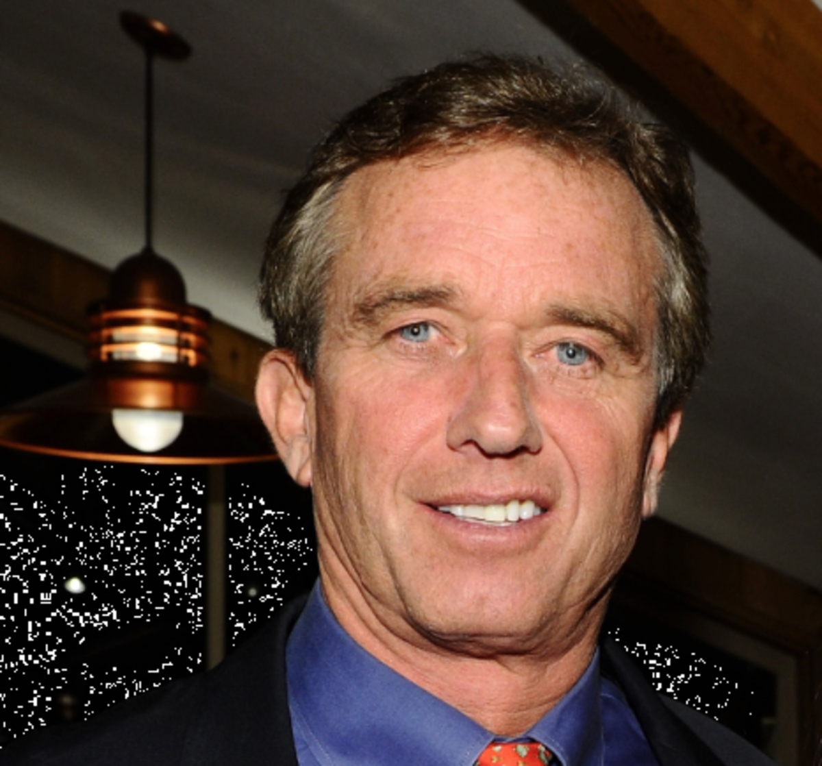 Robert F. Kennedy Jr. - Family, Career & Facts - Biography