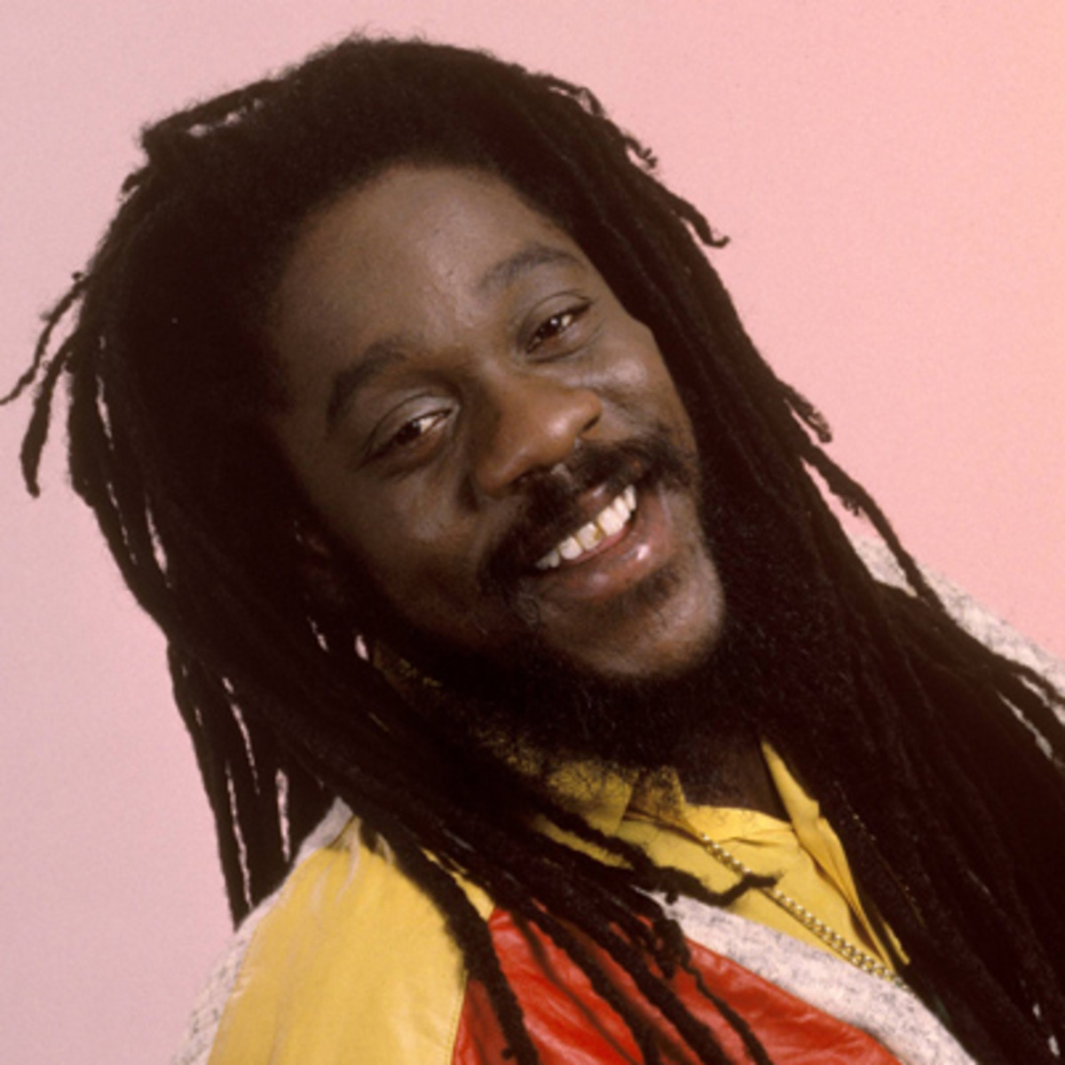 dennis Find dennis brown bio, music, credits, awards, & streaming links on allmusic - a soulful and thrilling but often troubled roots.