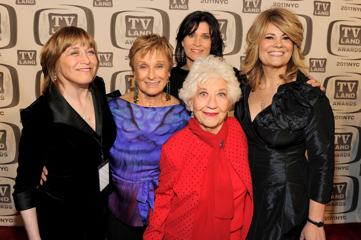 NEW YORK, NY - APRIL 10:  Geri Jewell. Cloris Leachman, Nancy McKeon, Charlotte Rae and Lisa Whelchel attend the 9th Annual TV Land Awards at the Javits Center on April 10, 2011 in New York City.  (Photo by Larry Busacca/Getty Images) *** Local Caption *** Geri Jewell;Cloris Leachman;Nancy McKeon;Charlotte Rae;Lisa Whelchel