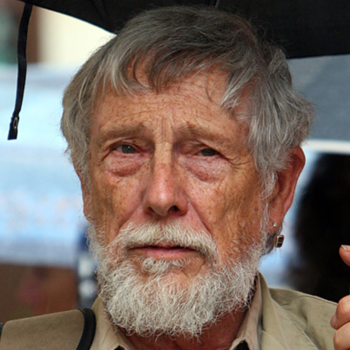 critical essays gary snyder Murphy, patrick, ed critical essays on gary snyder boston: g k hall  2 responses to the second wave of american interest in japanese culture: alan watts.