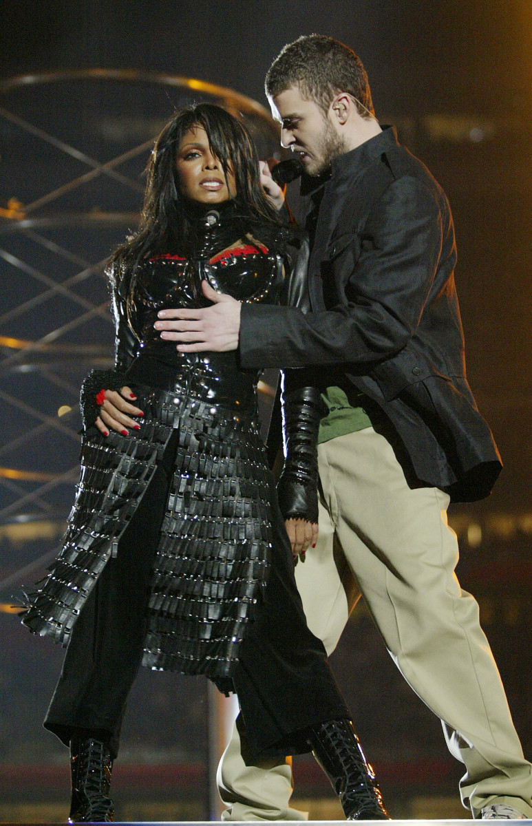 the best super bowl halftime shows (photos) - biography