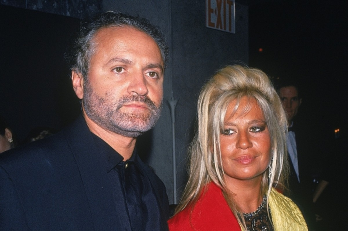 Gianni and Donatella in 1990. (Getty)