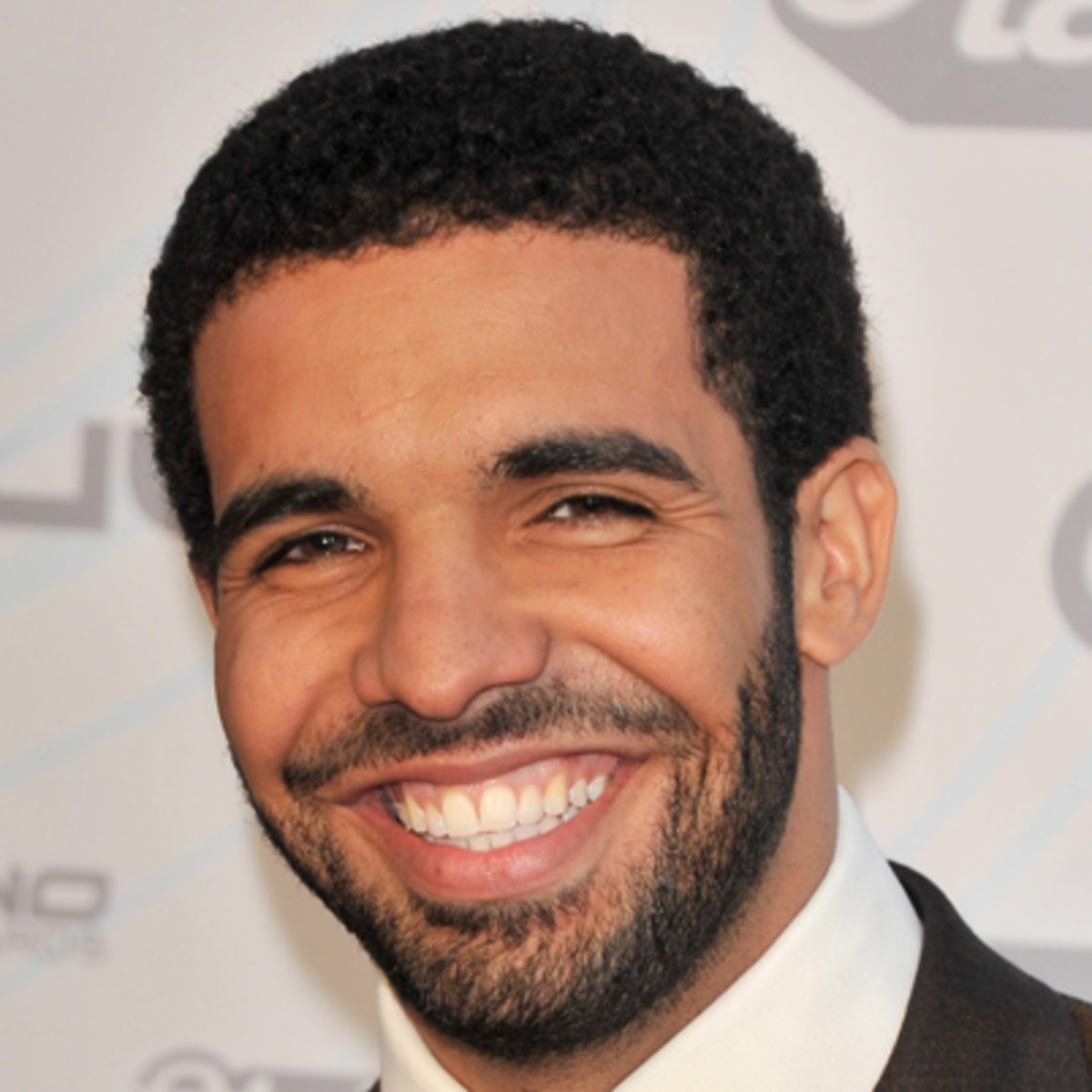 drake the rapper Of course, my answer is going to be my entire opinion no rapper is better than another, as we all think differently like most answers, i pick king kenny for several years, the world has cherished the effort and emotion he puts into his songs.