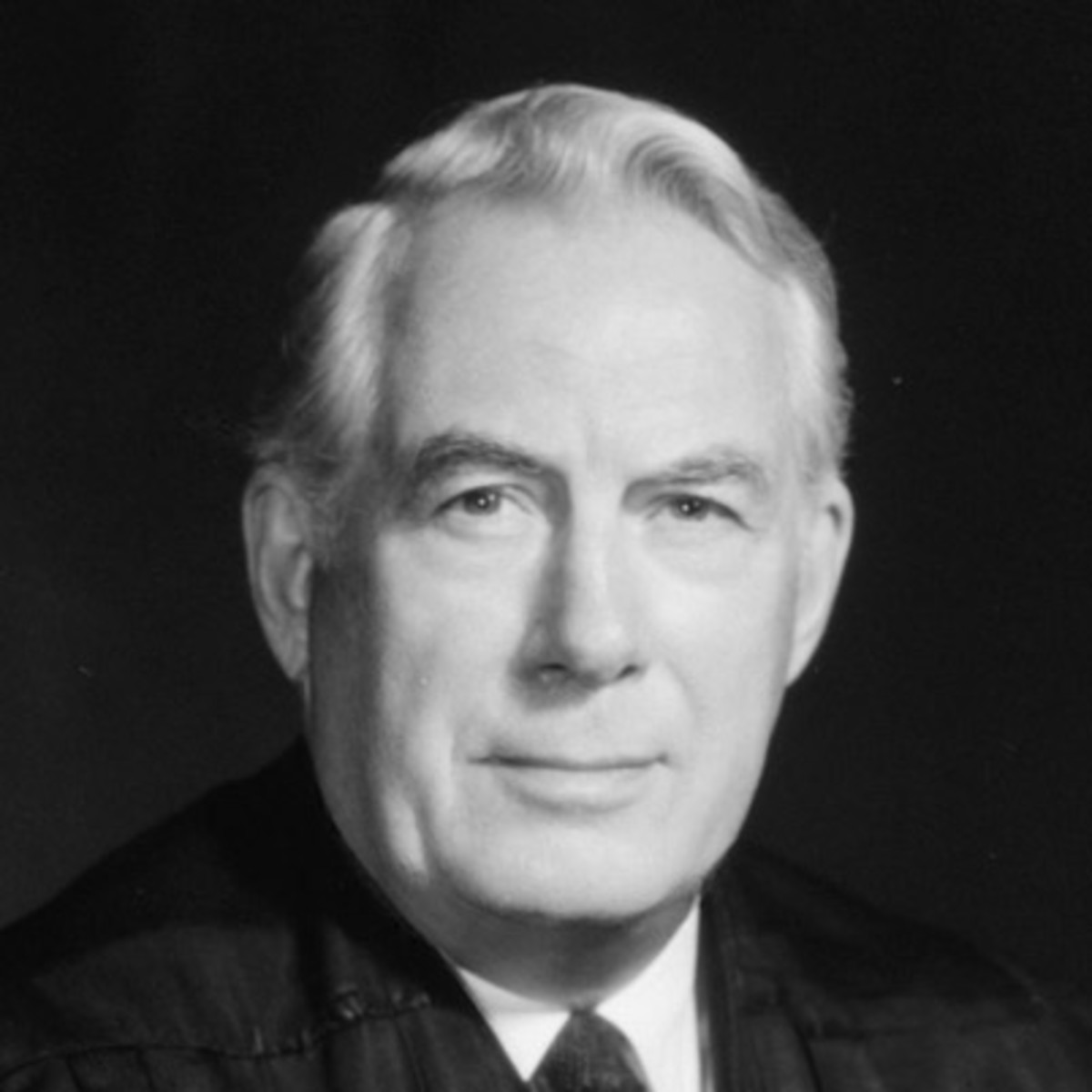 earl warren vs william rehnquist Even liberals may come to regard william rehnquist as one of the most   national culture, he wrote in a 7—2 opinion for the court in dickerson v  that  put the brakes on some of the excesses of the earl warren era while.