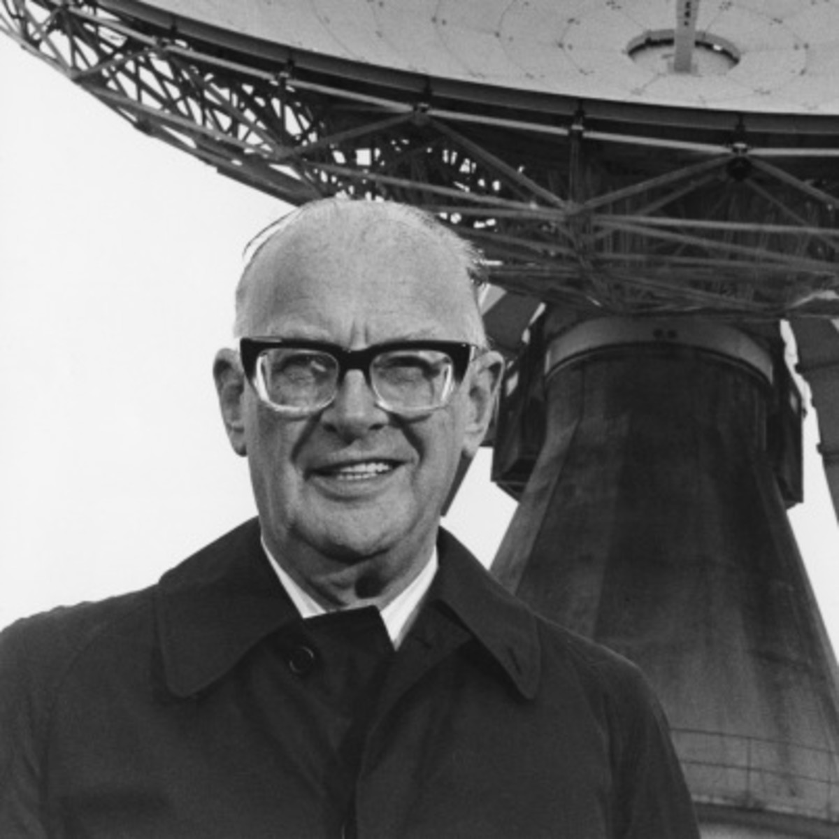 the early education of arthur c clarke Early in his writing career arthur c clarke foresaw the apollo moon landings and global telecommunications relayed by geosynchronous satellites.