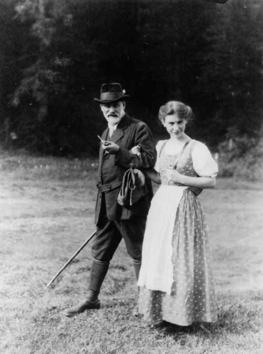 "an introduction to the life of anna freud Through her, the freuds also met rilke, whose poetry anna freud greatly  a  series of lectures for teachers and parents entitled: ""introduction to the technique ."