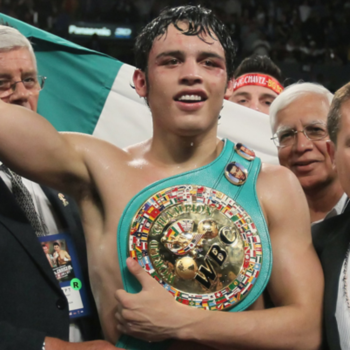 Julio cesar chavez jr sucks