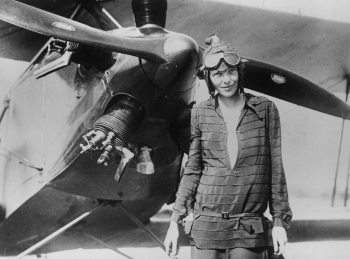 Earhart stands next to her bi-plane 'Friendship' in Newfoundland, June 14, 1928. (Photo: Getty Images)