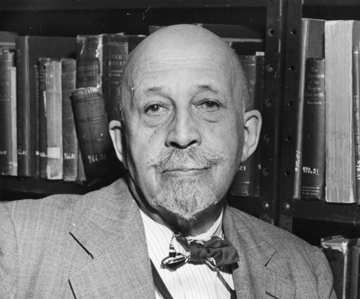 harlem renaissance w e b du bois Black plato and the harlem renaissance  okay, so dr king compared both w e b du bois and alain locke to plato what applies to both surely applies to one.