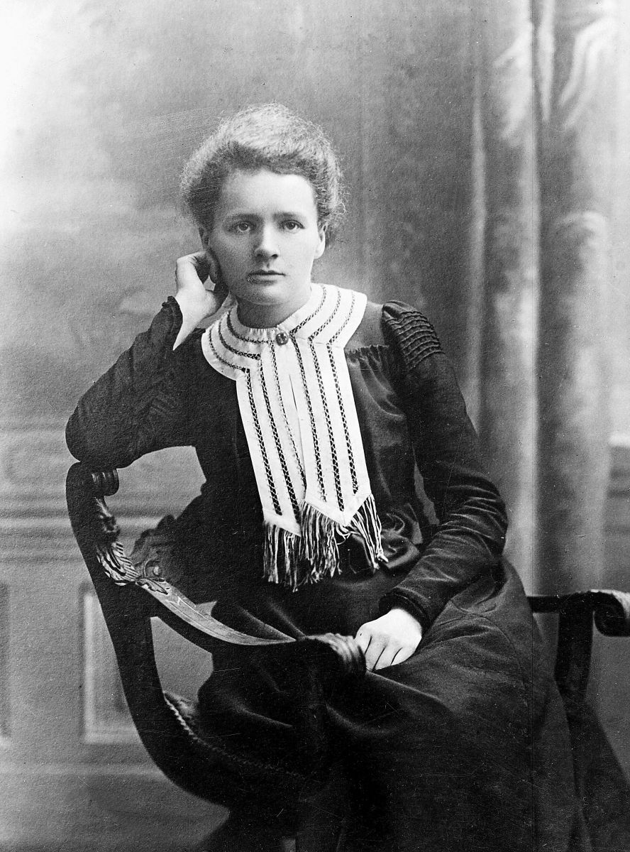 biography marie curie A portrait of marie curie, taken about 1903 when she was awarded her first nobel prize credit: public domain marie curie was a physicist and chemist and a pioneer in the study of radiation she .
