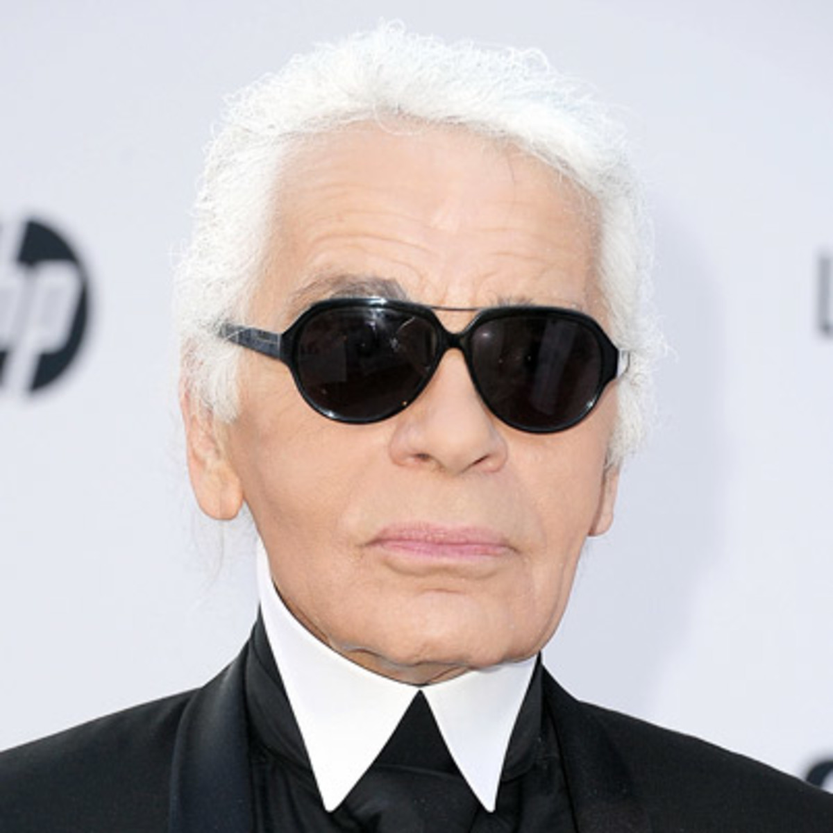 Karl lagerfeld fashion designer biography for French couture brands