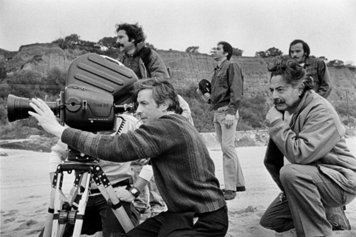 John Cassavetes and Sam Shaw on location during the filming of A Woman Under the Influence, California, 1973. Photos by Sam Shaw (c) Sam Shaw Inc. licensed by Shaw Family Archives, Ltd. www.shawfamilyarchives.com