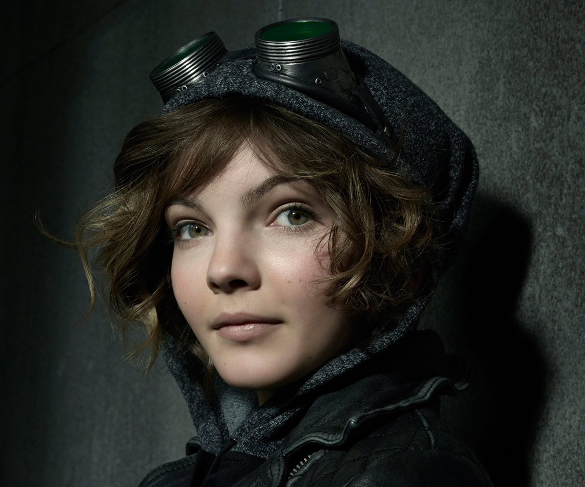 Ones To Watch Meet Gothams Camren Bicondova The New Catwoman