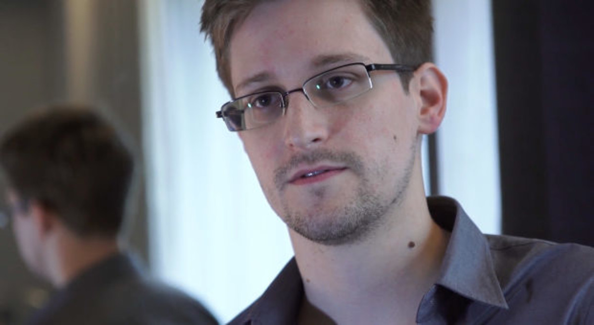 what we learn about edward snowden from citizenfour biography