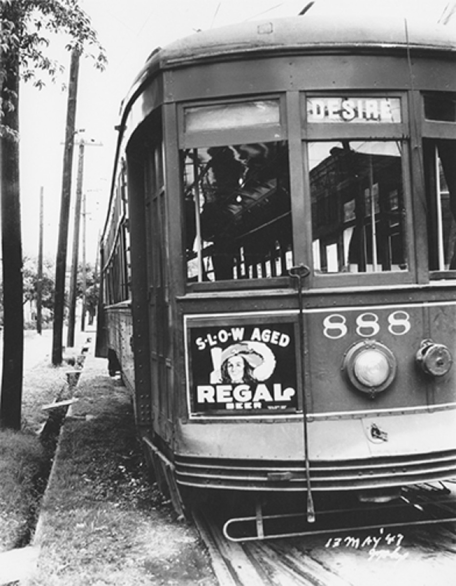 The Desire Streetcar, circa 1947. (Photo: The Charles L. Franck Studio Collection at The Historic New Orleans Collection)