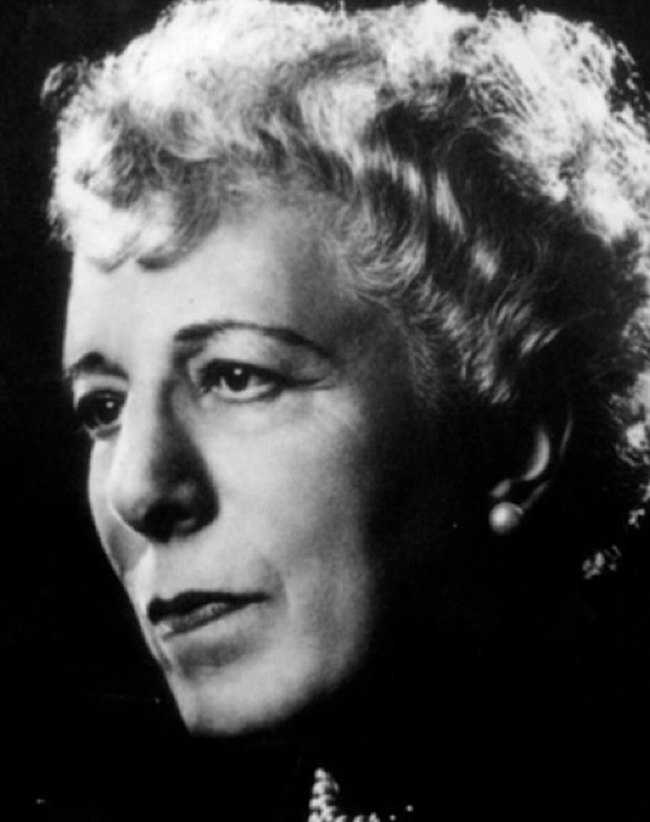 Edna Ferber (1885-1968) american novelist playwright c. 1956 (Photo by Apic/Getty Images)