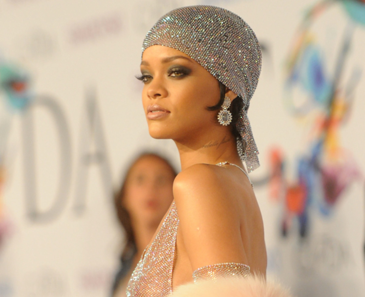 Shine, bright like a diva! Rihanna shows it all off at the CFDA Awards this week. (Photo: Larry Busacca/Getty Images)