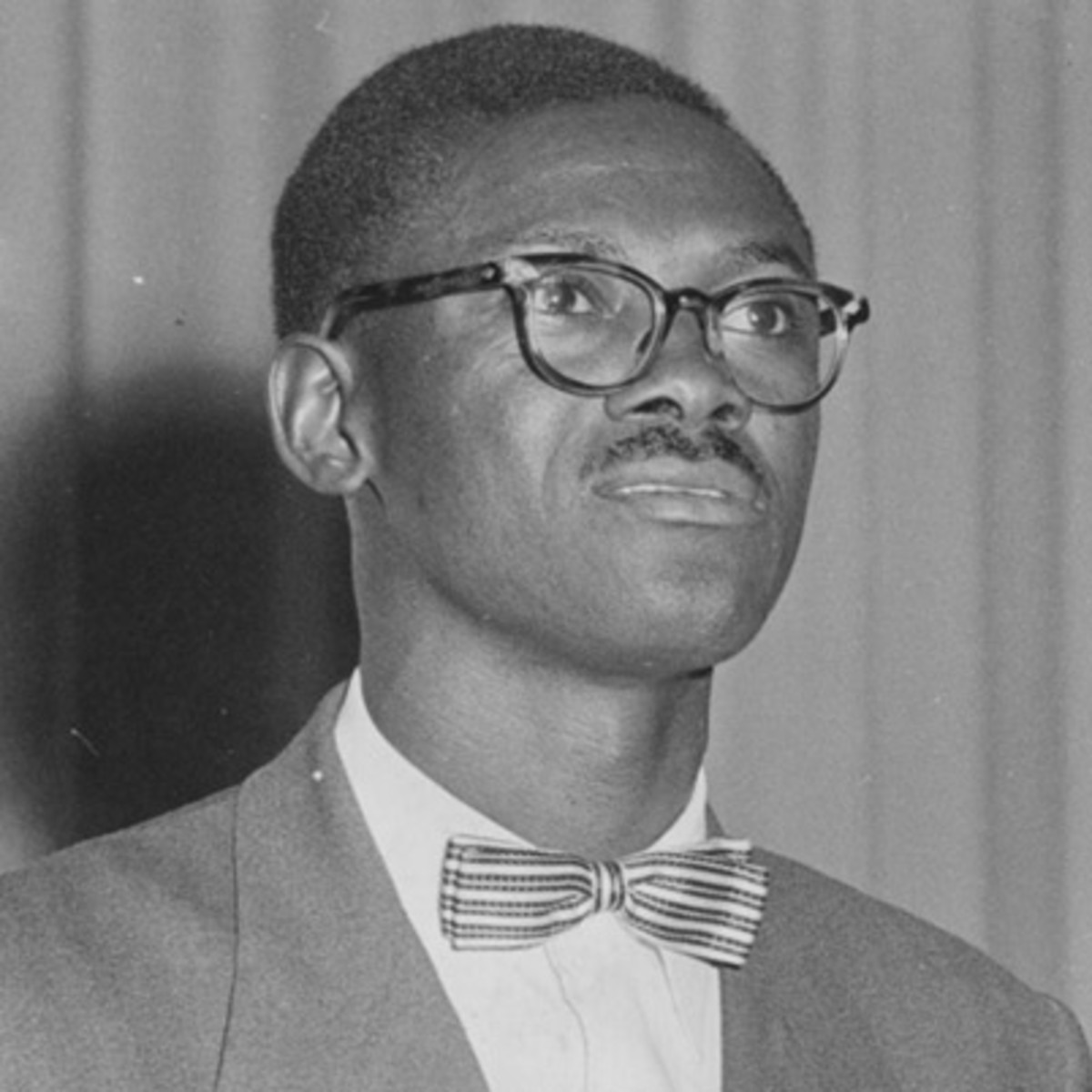 biography patrice lumumba Lumumba, patrice emery (1925-1961)  patrice lumumba, the first prime minister of the independent nation of the congo, was born july 2, 1925 in onalua in kasai province of the belgian congo with just a primary education, lumumba emerged to become one of africa's most vocal critics of colonialism.